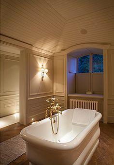 Panelled Bathroom - Minnie Peters