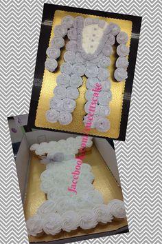 Wedding Dress, Tuxedo Pull apart cake Cupcake.