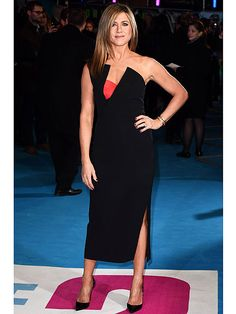 PHOTO: Jennifer Aniston Strikes a Glam Pose on the Horrible Bosses 2 Red Carpet http://www.people.com/article/jennifer-aniston-horrible-bosses-2-premiere