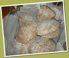 Le Ricette della Nonna: Pane ciabatta Pizza, Ciabatta, Quiches, Grande, Biscuits, Cheese, Recipes, Cookies, Cookie Recipes
