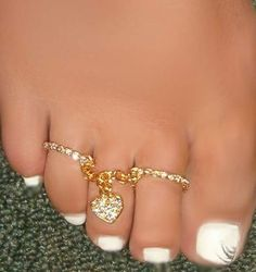 Sexy Feet Double Toe Rings W Crystal Heart Charm & Attached Chain One Size Fit Toe Ring Designs, Art Designs, Tattoo Designs, Toe Polish, Double Ring, Sexy Toes, Bare Foot Sandals, Ankle Bracelets, Toe Rings