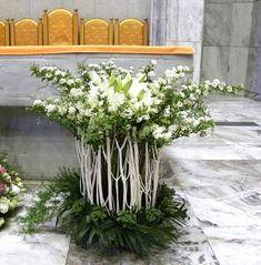 ==================================================================================... Contemporary Flower Arrangements, Creative Flower Arrangements, Funeral Flower Arrangements, Beautiful Flower Arrangements, Floral Arrangements, Beautiful Flowers, Church Christmas Decorations, Altar Decorations, Flower Decorations