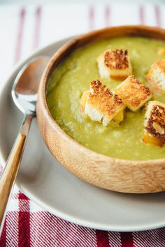 Recipe: Slow Cooker Vegetarian Split Pea Soup with Grilled Cheese Croutons — Quick and Easy Vegetarian Dinners