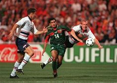 Morocco 2 Norway 2 in 1998 in Montpellier. Salaheddine Bassir tries to power his way through in Group A #WorldCupFinals