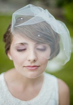 Such a pretty Birdcage veil