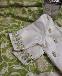 Beautiful jute saree with designer work blouse 4000 Hand Work Blouse Design, Simple Blouse Designs, Stylish Blouse Design, Fancy Blouse Designs, Bridal Blouse Designs, Blouse Neck Designs, Blouse Styles, Maggam Work Designs, Half Saree Designs