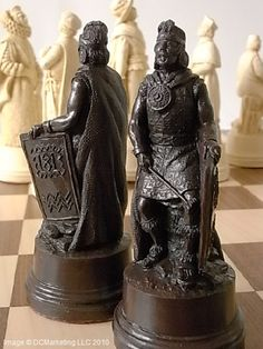 Columbus Plain Theme Chess Set