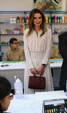 Sister Day, King Abdullah, Royal Clothing, Queen Rania, Grace Kelly, Royal Fashion, Elegant Woman, Modest Fashion, Chic Outfits