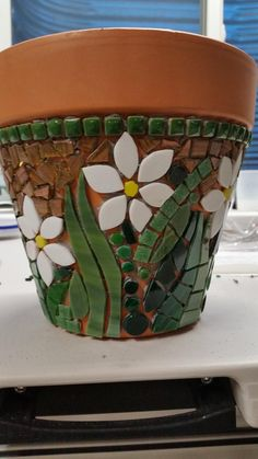 17 best ideas about Mosaic Pots Mosaic Planters, Mosaic Garden Art, Mosaic Vase, Mosaic Flower Pots, Painted Flower Pots, Mosaic Tiles, Pebble Mosaic, Mosaic Crafts, Mosaic Projects