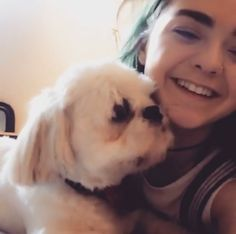 Maisie Williams and her dog, so cute
