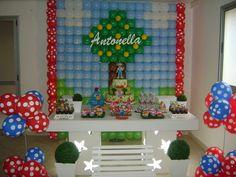 Linda mesa com painel feito especialmente para a Mamãe da Antonella. Os personagens de biscuit agora fazem parte da decoração.  O evento foi realizado no dia 05/08/2012 e todos ficaram felizes com o resultado.  Agradecemos a confiança.