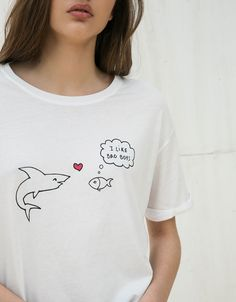 17 Ideas Embroidery Tshirt Diy Products For 2019 Shirt Embroidery, Embroidery Fashion, Embroidery Ideas, Tee Shirt Designs, Tee Design, T Shirt Diy, My T Shirt, T-shirt Broderie, Beau T-shirt