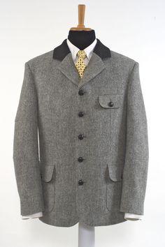 """Modell  """"INVERNESS"""" : Das Sakko mit viel Bewegungsfreiheit!  Dieses Sakko bietet Ihnen durch die Golffalte im Rücken eine enorme Bewegungsfreiheit und die... Inverness, Suit Jacket, Blazer, Suits, Jackets, Fashion, Sporty, Linen Fabric, Model"""