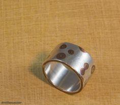 Mokume gane ring, an unusual Japanese technique Napkin Rings, Rings For Men, Jewelry Making, Wedding Rings, Japanese, Engagement Rings, Handmade, Enagement Rings, Men Rings