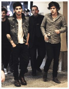 Zayn and Harry! This picture just makes me  fan girl! IT'S PERFECTION IN A PICTURE!