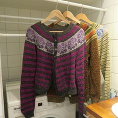 med pinner Sweaters, Fashion, Moda, Fashion Styles, Sweater, Fashion Illustrations, Sweatshirts, Pullover Sweaters, Pullover