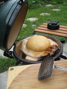 Wanna try this.  I love my Big Green Egg!