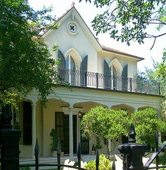 Gothic revival house, Garden District, New Orleans, Louisiana