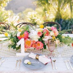 Ultra pretty #tablescape details from today's real wedding #onGWS {direct link in profile} thanks to this team  planning + design: @amorology // photos: @brandonkiddphoto // florals: @catalinaneal // paper goods: @peanut_press // rentals: @foundrentals @hostesshaven #peony #weddingideas #GWSentertaining