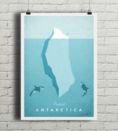 """Autorski plakat w stylu vintage opatrzony hasłem """"Protect Antarctica"""" (Chroń Antarktydę). Przedstawia dwie orki przypatrujące się małemu pingwinowi stojącemu na zboczu lodowca. Ilustracja inspirowana plakatami podróżniczymi z lat 20-tych XX wieku.  Drukowany za pomocą ekologicznych, bezw..."""