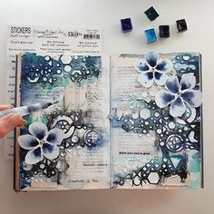 'Painted silence' ♡ Art journaling by night... #maremismallart #artjournaling #journal #painting #colouring #drawing #handpaint #handdrawn #janedavenport #13arts #diaryart #everydayart #artdaily #artdiary #mixedmedia #mixedmediaartist #onmydesk #artjournalpage #journallove