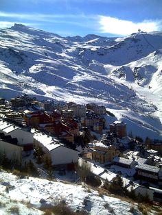 Ski-ing in the Sierra Nevada mountains, Granada, Spain