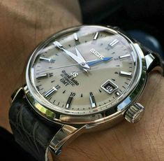 Watches Ideas Discovred by : Todd Snyder - Uhren - Fancy Watches, Best Watches For Men, Amazing Watches, Old Watches, Expensive Watches, Vintage Watches For Men, Fossil Watches, Stylish Watches, Luxury Watches For Men