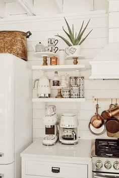 Diy Kitchen Wall Decor Beautiful Diy Open Kitchen Shelving Cottage Kitchen ■Love ■Diy Kitchen Shelves, Kitchen Decor, Kitchen Ideas, Open Shelf Kitchen, Kitchen Corner, Kitchen Cupboard, Decorating Kitchen, Kitchen Small, Kitchen Modern