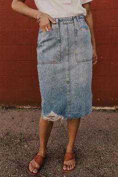 Free People Elisa Pencil Denim Skirt - Knee Length Denim Skirt Outfits - Modest Summer Outfit Ideas for Women Skirt Outfits Modest, Modest Summer Outfits, Denim Skirt Outfits, Modest Dresses, Denim Pencil Skirt Outfit, Modest Denim Skirts, Tutu Skirts, Event Dresses, Fall Dresses