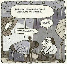 - Buraya gelmeden önce seks mi yaptınız?..  + Yooo...  - Kımıldamayın..  #karikatür #mizah #matrak #komik #espri #şaka #gırgır #komiksözler