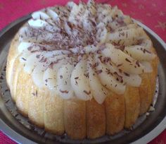Charlotte poire-chocolat parfumée au rhum Charlotte Dessert, Mousse Dessert, Fancy Desserts, No Sugar Foods, Sweet Recipes, Sweet Treats, Deserts, Brunch, Food And Drink