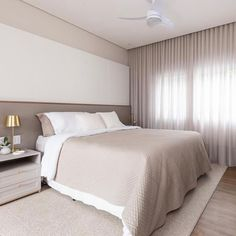 Modern Double Beds: Types and 50 Stylish Sleeping Models - ChecoPie Living Room Designs India, Living Room Decor, Bedroom Decor, Design Your Bedroom, Home Room Design, Interior Wall Colors, Camas King, Small House Exteriors, Parents Room