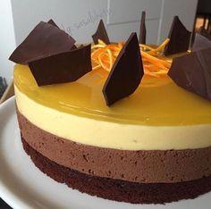 Torta od cokolade i narance. Dessert Cake Recipes, Sweet Desserts, Cookie Recipes, Sweet Recipes, Torta Recipe, Kolaci I Torte, Torte Recepti, Amazing Chocolate Cake Recipe, Torte Cake