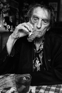 "Harry Dean Stanton | Harry Dean Stanton é tema do documentário ""Partly Fiction"" sobre sua ... Talk about Character. The things Stanton must have seen."