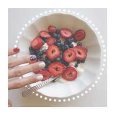 + patriotic breakfast & mani +