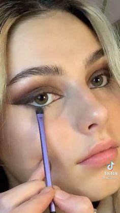 Edgy Makeup, Makeup Eye Looks, Cute Makeup, Pretty Makeup, Skin Makeup, Minimal Makeup, Makeup For Brown Eyes, Eyeshadow Makeup, Makeup Tutorial Eyeliner