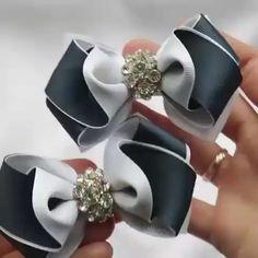 Making Hair Bows, Diy Hair Bows, Diy Bow, Diy Ribbon, Ribbon Hair Bows, Ribbon Flower Tutorial, Hair Bow Tutorial, Diy Crafts For Teens, Bling Wedding
