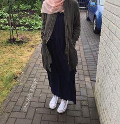 Pinterest: @adarkurdish Hijab Style Dress, Modest Fashion Hijab, Street Hijab Fashion, Modesty Fashion, Casual Hijab Outfit, Hijab Chic, Abaya Fashion, Fashion Outfits, Long Skirt Hijab
