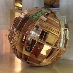 Construcciones frágiles para un final del mundo / alejandro tobon / salón regional / MAMM