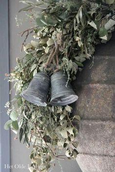 🌟Tante S!fr@ loves this 📌🌟Zinken Klok 10 cm Christmas Greenery, Christmas Bells, Christmas Holidays, Christmas Wreaths, Christmas Crafts, Christmas Decorations, Xmas, Holiday Decor, Christmas Makes