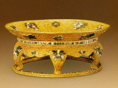 Gold plate decorated with filigrees and turquoises, Qing Dynasty; Height: 6.5cm; Diameter: 15.7cm; Weight: 478g