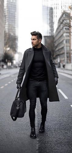 Fall all black combo with a black overcoat black turtleneck black leather gloves black duffle bag black skinny jeans black boots. Winter Outfits Men, Stylish Mens Outfits, Business Casual Outfits, Outfit Hombre Casual, Suit Fashion, Mens Fashion, Fashion Guide, Fashion Black, Fashion Outfits