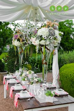 Photo by http://hydeparkphoto.com  #stemsfloraldesign   Barr Mansion Weddings  #stemsfloraldesign