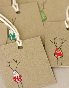Sweet Christmas gift tags, using fabric scraps. Noel Christmas, Christmas Wrapping, Winter Christmas, All Things Christmas, Christmas Gift Labels, Christmas Makes To Sell, Recycled Christmas Cards, Christmas Card Designs, Diy Christmas Gift Tags