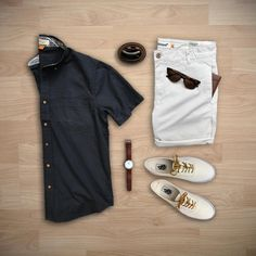 My outfit from yesterday featuring Trendy Butler. They are a cool menswear subscription. Receive clothes monthly of your own style.