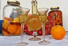 Λικέρ πορτοκάλι – κανέλας!!!! ~ ΜΑΓΕΙΡΙΚΗ ΚΑΙ ΣΥΝΤΑΓΕΣ 2 Limoncello, Flute, Wine Glass, Alcoholic Drinks, Champagne, Tableware, Baby Room, Food, Dinnerware