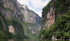 Este estrecho con acantilados que pueden alcanzar los 1.000 metros de altura en el estado de mexicano de Chiapas, invita a contemplarlo sin prisas, con la mente centrada únicamente en su belleza natural.  ¡Queremos que #viajes!