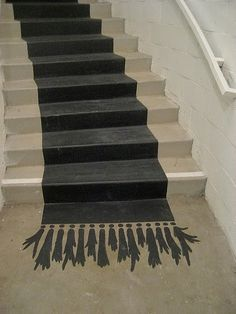 * T h e * V i s u a l * V a m p * ~ love this faux painted stair runner