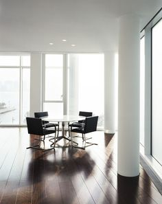 Ludwig Mies Van Der Roheu0027s Flat Brno Chair Knoll Table, Knoll Chairs,  Florence Knoll