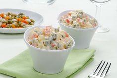 Orijinal adı aslında Rus salatası olan ve Amerikan salatası olarak da bildiğimiz salatanın tarifi ve tarihine göz atıyoruz.
